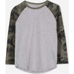 Cotton On Kids Tom Long Sleeve Raglan Tシャツ / light grey marle/camo sleeves